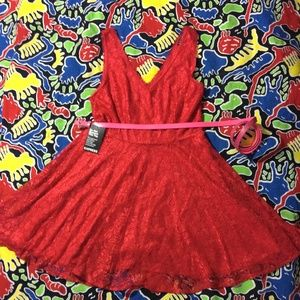 NWT EXPRESS Red Lace Cocktail Mini, SZ 10
